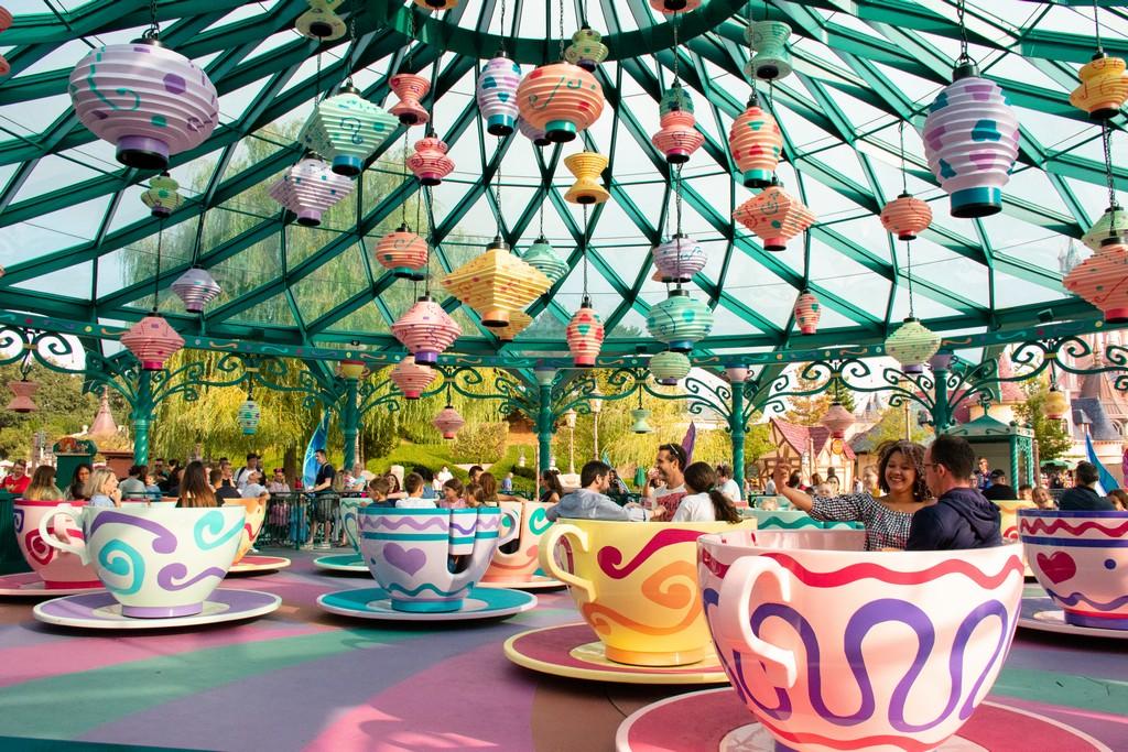 "<img src=""ride.png"" alt=""mad hatter cups ride at disneyland paris"">"