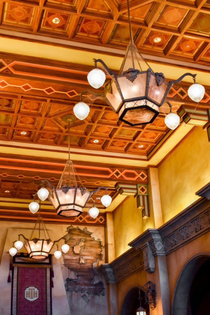 """<img src=""""ceiling.png"""" alt=""""Tower of Terror ceiling"""">"""