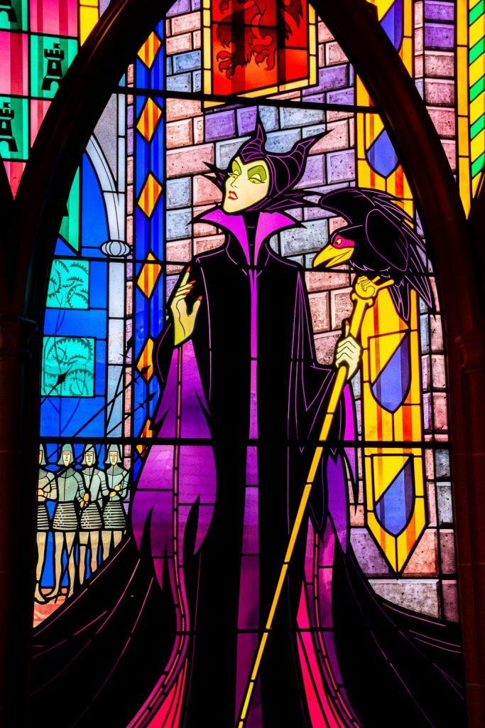 """<img src=""""Maleficent.png"""" alt=""""Maleficent stained glass window"""">"""