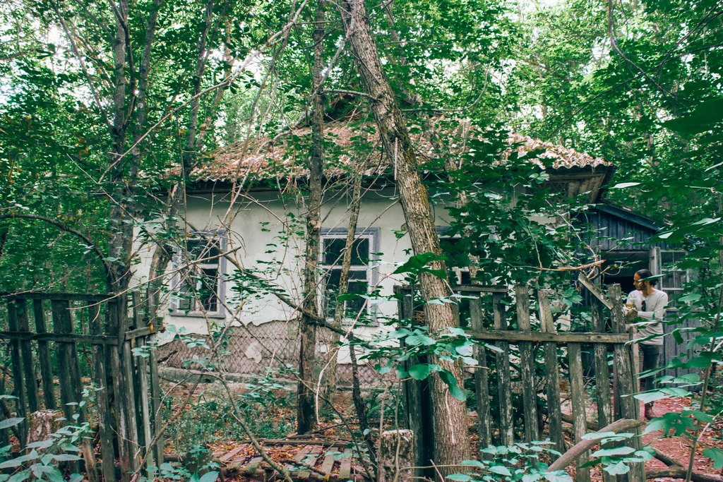 "<img src=""old hut.png"" alt=""old hut in the woods of chernobyl"">"