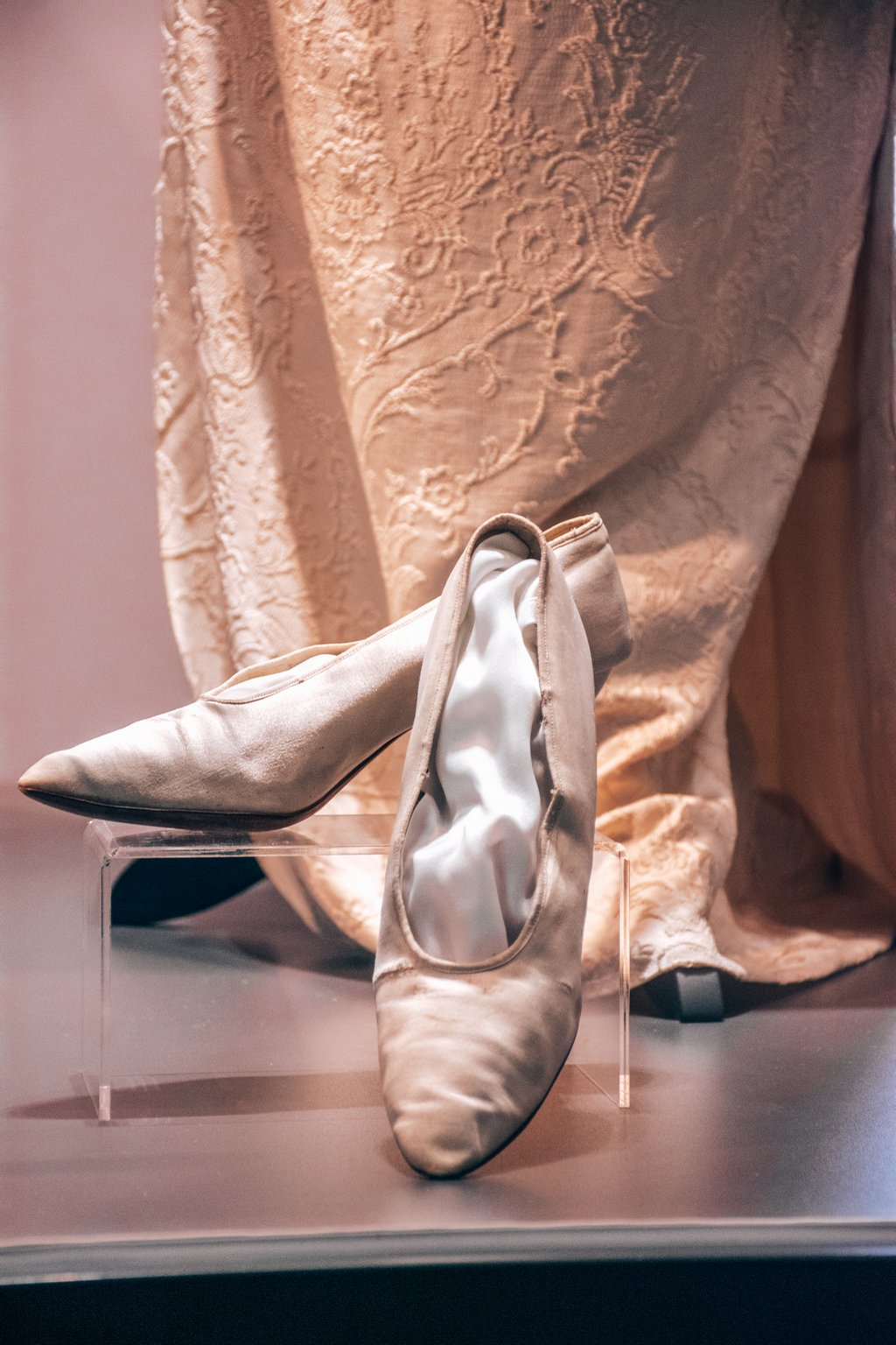 "<img src=""white shoes.png"" alt=antique white wedding shoes"">"