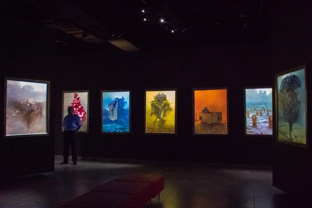 """<img src=""""paintings.png"""" alt=""""Zadislaw Beksinski's paintings in a gallery"""">"""