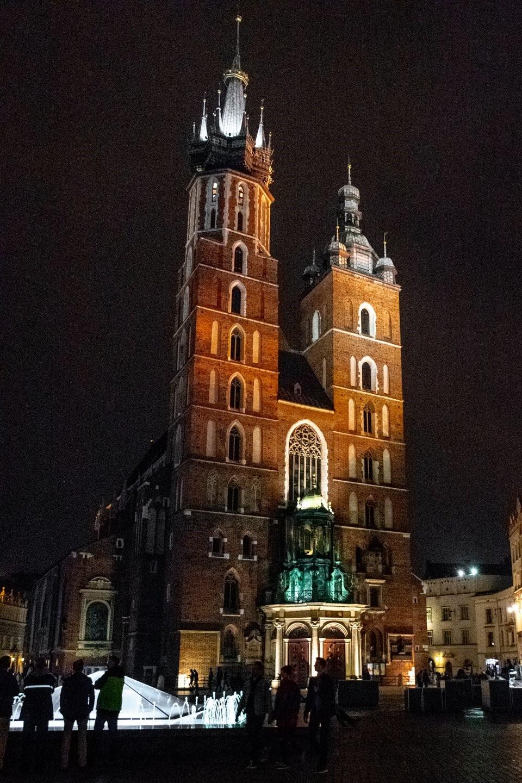 "<img src=""Basilica.png"" alt="" Saint Mary's Basilica in Krakow"">"