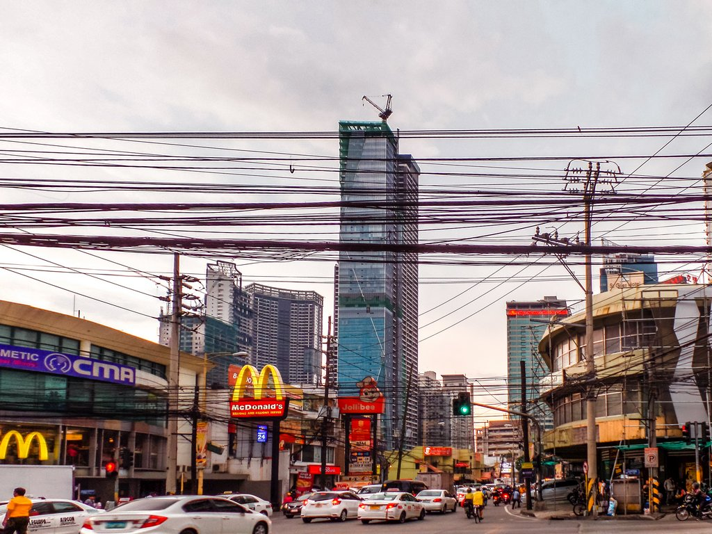 "<img src=""street.gif"" alt=""a street in Manila"">"