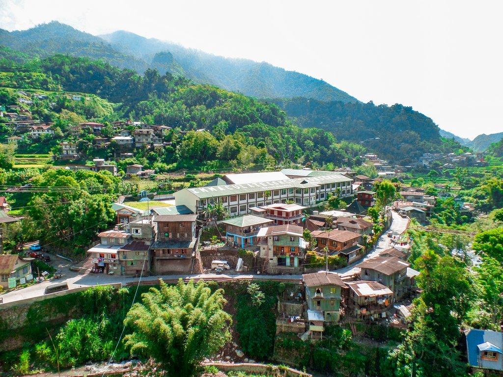 """< img src=""""Banaue.gif"""" alt=""""town of Banaue"""">"""