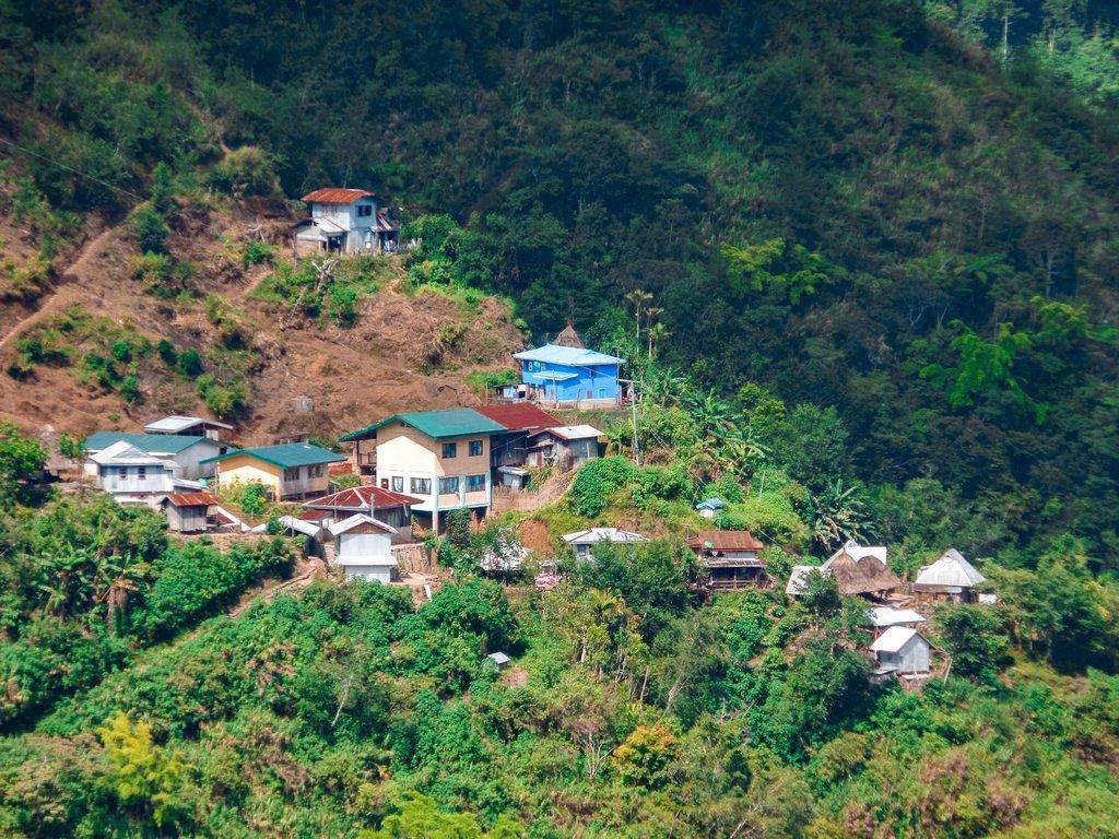 """<img src=""""village.gif"""" alt=""""village in the northen philippines"""">"""