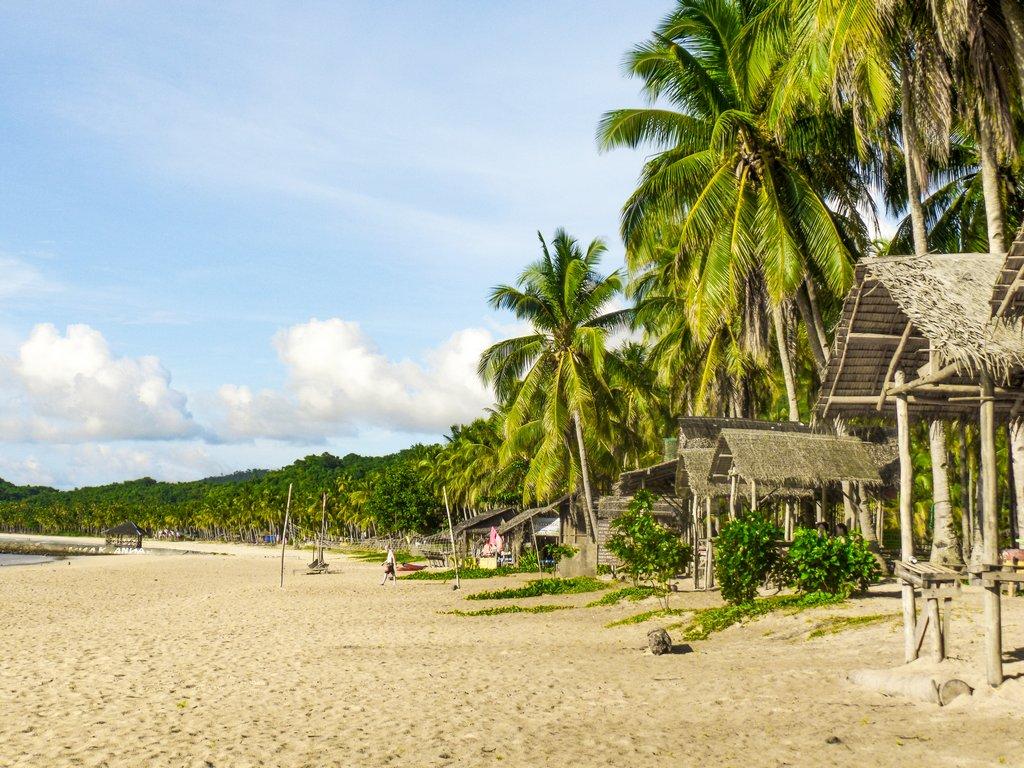 "<img src=""Beach.gif"" alt=""Beach at the philippines"">"